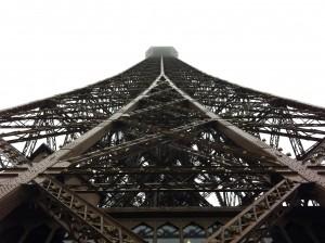 Tour Eiffel in cloud